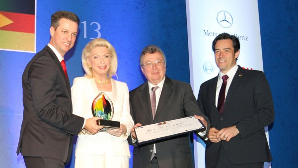 Maria Elisabeth Schaeffler recebe o prêmio Personalidade Brasil Alemanha.