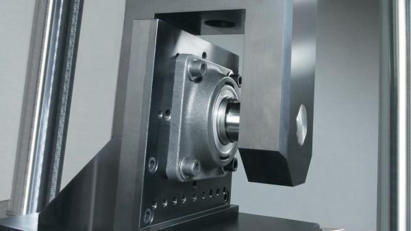 Las características de los rodamientos se prueban en modernos laboratorios de ensayo.