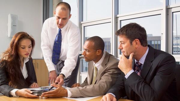 Schaeffler da soporte a sus clientes ofreciendo asesoramiento técnico en las aplicaciones para la ejecución óptima de los rodamientos.